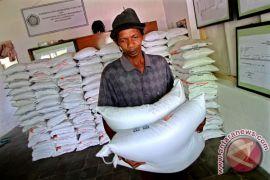 Pembagian beras miskin