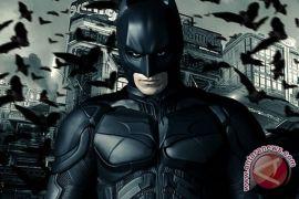 Alec Baldwin menjadi ayah Batman dalam film
