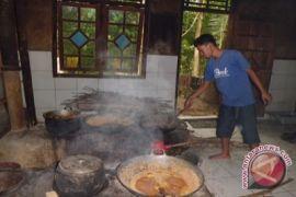 Dinas Perdagangan latih keterampilan perajin gula semut