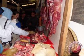 Daging sapi gelonggongan ditemukan beredar di pasar tradisional Sleman