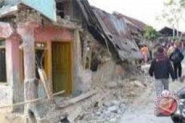 Pengungsi gempa Lombok mengharapkan bantuan perbaikan rumah