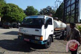 Dinsos-P3A sediakan 100 tangki air bersih