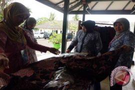Gunung Kidul kembangkan industri batik