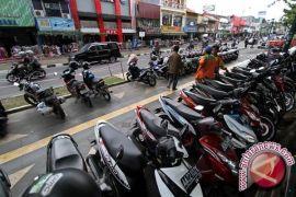 11 juru parkir dikenai sanksi denda Rp300 ribu