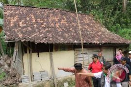 Kulon Progo mendata warga miskin sekali
