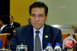 Muladi imbau Akbar Tandjung kembali ke khittah