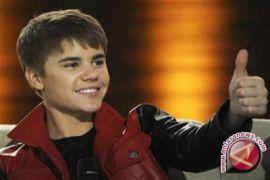 Hailey Baldwin gunakan nama belakang Bieber