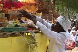 Umat Hindu rayakan Melasti di Pantai Ngobaran