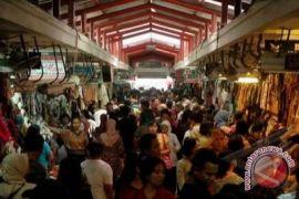 Yogyakarta uji coba pasar buka malam