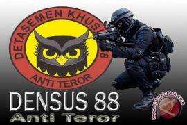 Polri menangkap tiga terduga teroris di Bogor