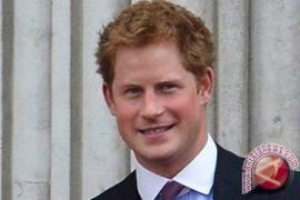 Pangeran Harry dukung istrinya melawan Thomas Markle