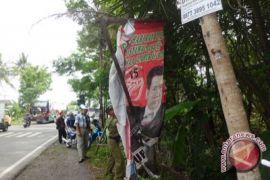 Bawaslu Kulon Progo temukan ratusan alat peraga kampanye langgar aturan