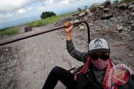 Bupati Sleman bina komunitas Jip wisata Merapi