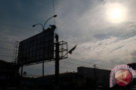 Reklame halangi pandangan Sultan HB X ke Gunung Merapi