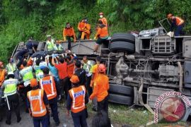 Korban meninggal kecelakaan Subang dimakamkan massal