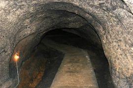 Warga Kliripan bersihkan material longsor tambang mangaan
