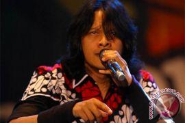 Armand-Dewi siapkan konser 25 tahun pernikahan
