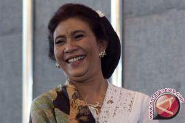 Ulah nyentrik Menteri Susi, makan peyek kacang usai rapat terbatas di Istana