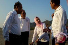 Menteri mengajak semua pihak menjaga gumuk pasir