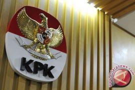 KPK menetapkan bupati Bengkulu Selatan tersangka suap