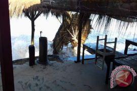 Pemkab perbolehkan pedagang berjualan di sempadan pantai