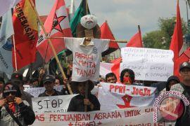 Aksi Solidaritas untuk Petani Majalengka