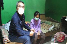 Wabup Bantul kunjungi rumah remaja penderita tuberculosis