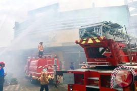 Pemadam kebakaran tewas di lokasi