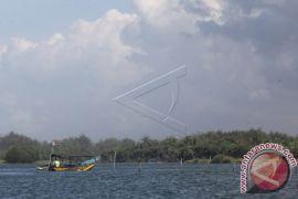 Kulon Progo lelang petugas pemungut retribusi Pantai Glagah