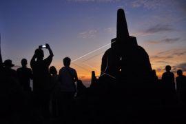 Pengunjung Candi Borobudur turun 40 persen