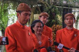 Jokowi pesan agar Kahyang-Bobby sabar