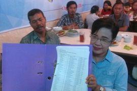 Pegawai kontrak korban PHK akan mengadu Presiden