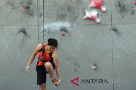 Latihan bersama tim panjat tebing Indonesia-China