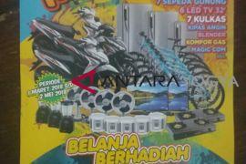 Belanja di pasar tradisional berhadiah sepeda motor