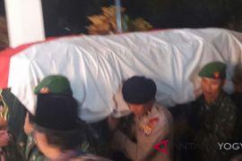 50 kendaraan iringi ambulans jenazah Probosutedjo