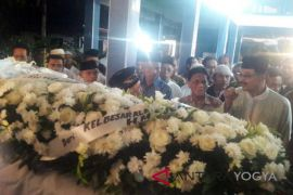 Ratusan pelayat ikuti pemakaman Probosutedjo