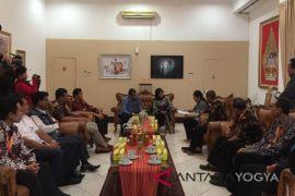 KPU Yogyakarta akan verifikasi 304.926 pemilih
