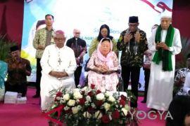 Shinta Nuriyah sahur lintas agama di Yogyakarta