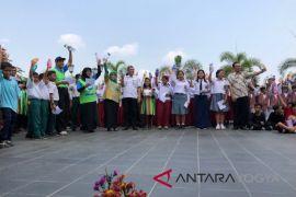 Yogyakarta deklarasikan 1.000 Tumbler  untuk kendalikan sampah plastik