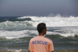 10 kapal nelayan rusak diterjang gelombang pasang