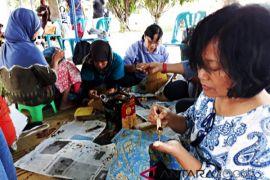 Yogyakarta intensifkan penggunaan pewarna alam untuk batik