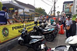 12 kendaraan parkir di Pasar Kembang ditilang