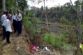 Warga Wates resah terkait revitalisasi Sungai Serang