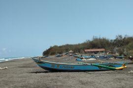 Gelombang tinggi, nelayan Bantul takut melaut