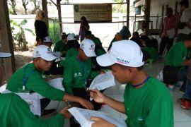 BUMN HADIR - SMN Kepulauan Riau belajar membatik di Giriloyo