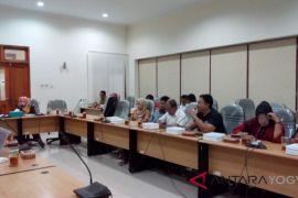 Ketua DPRD Kulon Progo memarahi Asosiasi Penambang