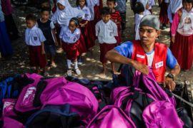 PMI DIY salurkan paket sekolah warga Sulteng