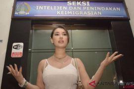Mendapat pelecehan, mantan artis film dewasa Jepang Maria Ozawa kapok datang ke Bali