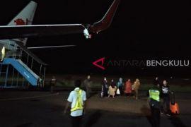 Lion Air rute Bengkulu-Jakarta batal terbang setelah menabrak tiang bandara