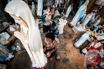Omset Penjualan Patung Bunda Maria Meningkat